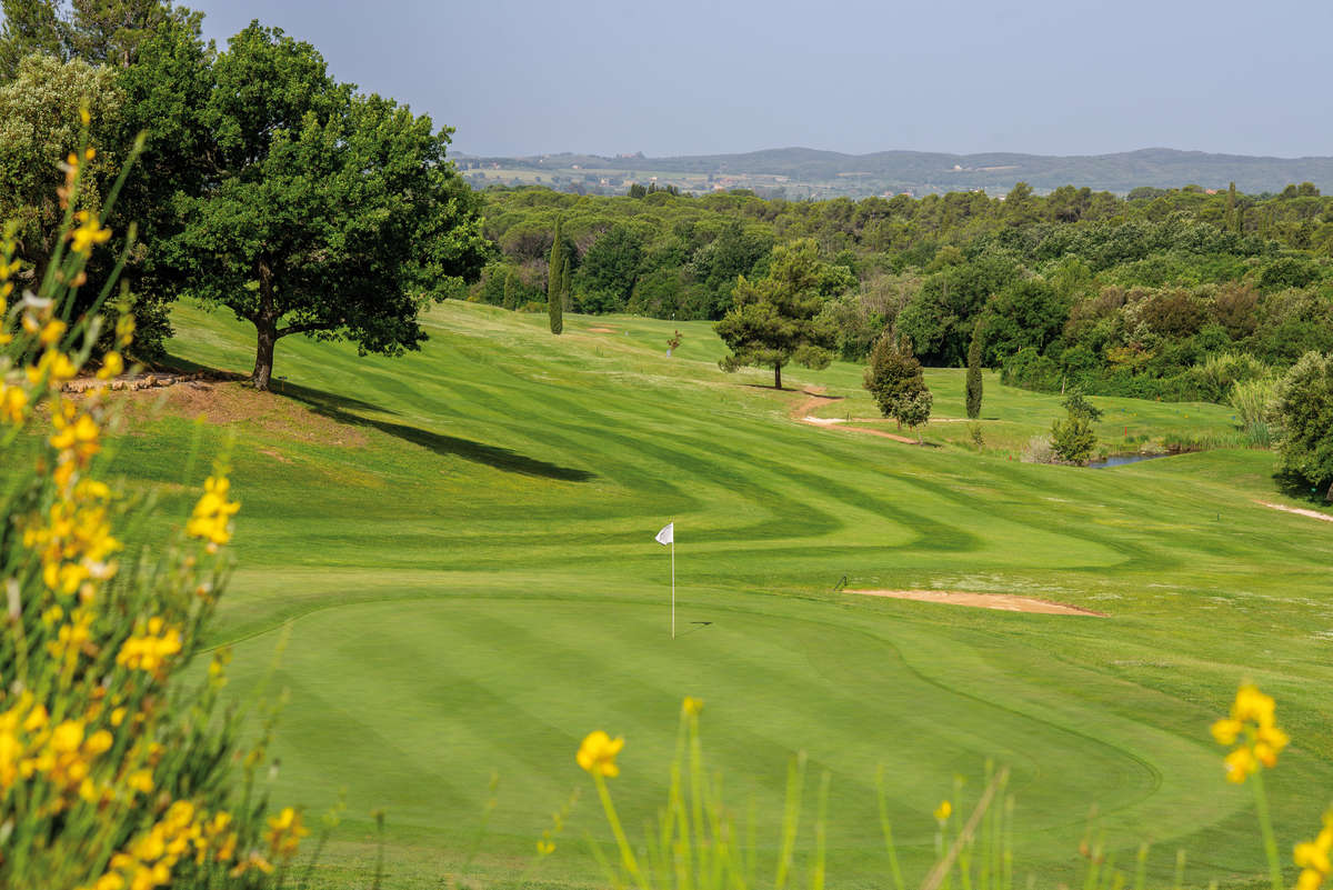 Breathtaking Golf Courses by the sea in Tuscany