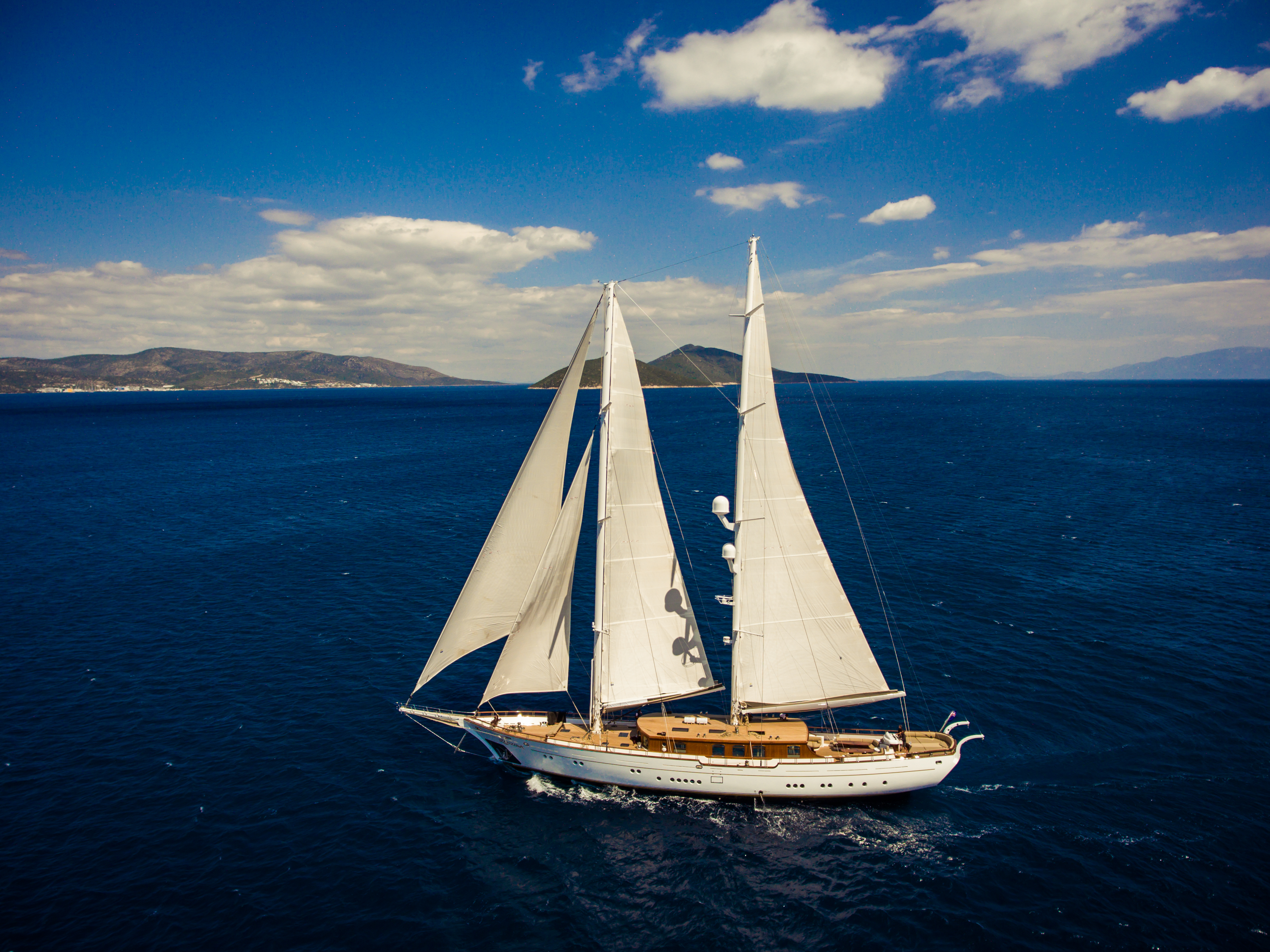 Why Italcharter is Best for Golf and Sailing Holidays in Italy
